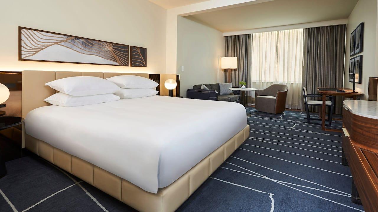 Park-Hyatt-Toronto-P348-King-Deluxe-Guestroom.16x9